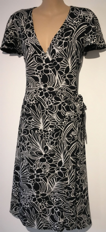 WALLIS BLACK/WHITE FLOWER PRINT WRAP JERSEY DRESS SIZE UK 10